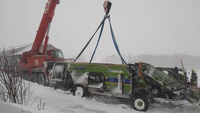Unfall Futter-Mischwagen