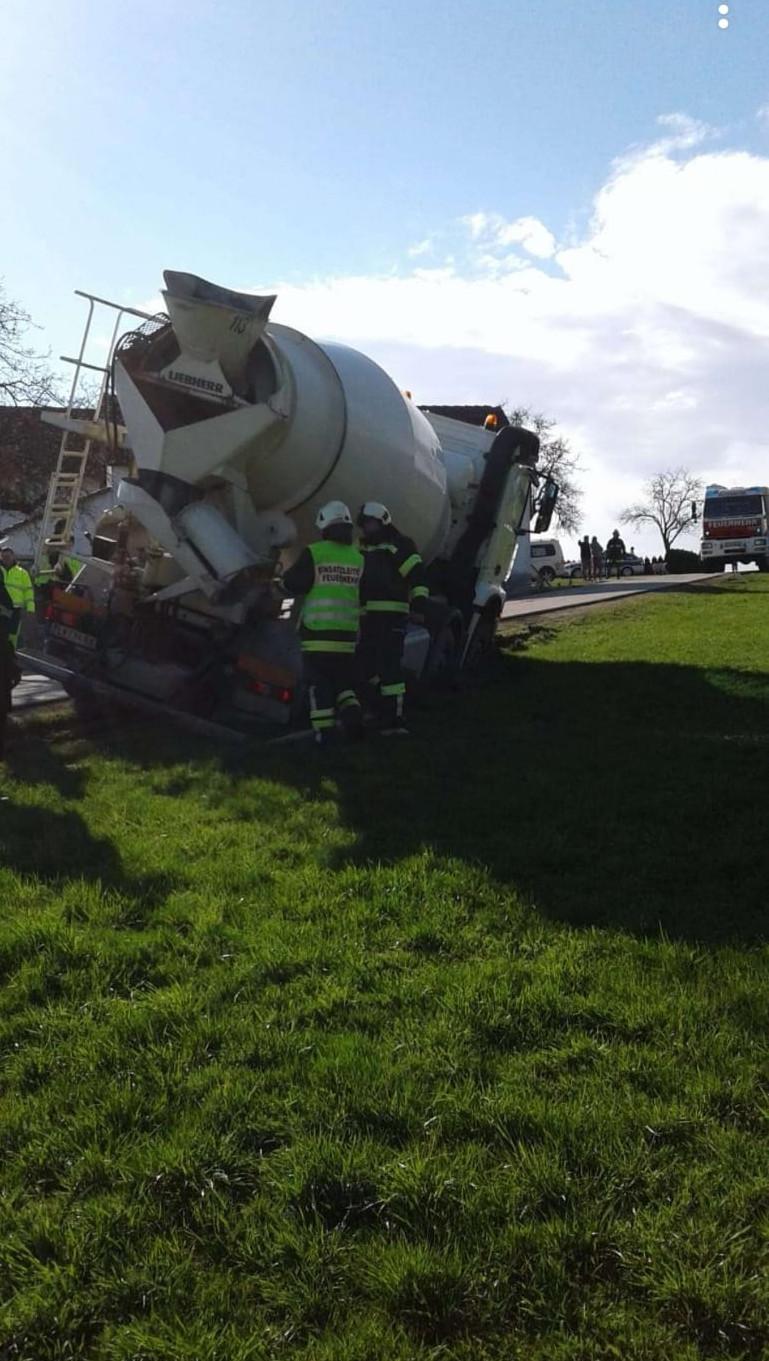 Bergung Beton-Mischwagen